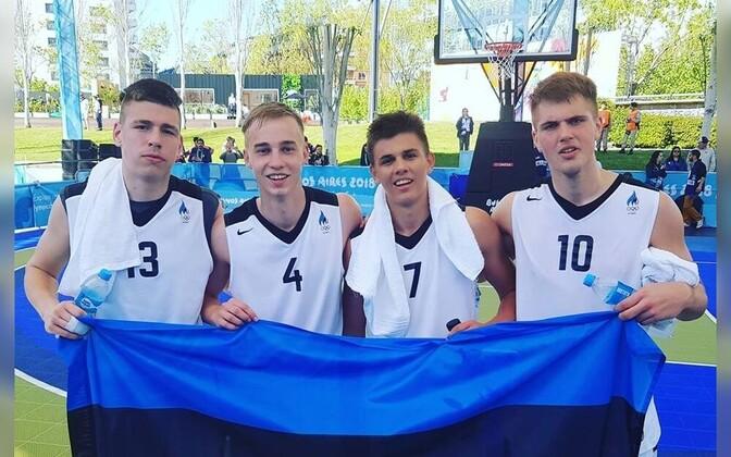 Noorte olümpiamängudel psalenud Eesti U-18 3×3 koondis koosseisus Kerr Kriisa, Jaan-Erik Lepp, Aleksander Oliver Hint ja Arthur Entsik.