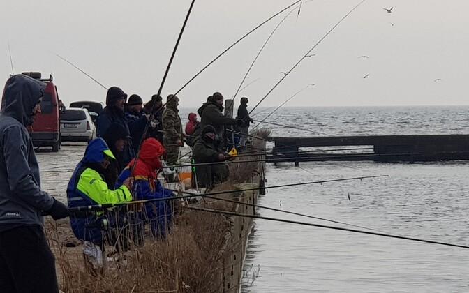 Рыбаки на реке Насва.