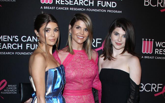 Lori Laughlin ja tütred Isabella Giannulli ning Olivia Giannulli