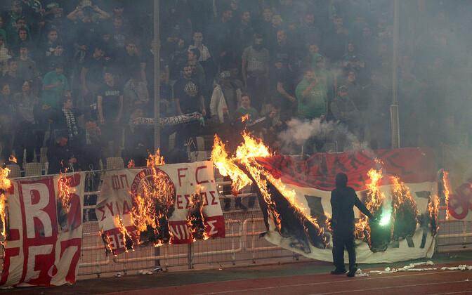 Ateena Panathinaikose toetajad pühapäevases mängus Pireuse Olympiakose vastu