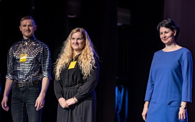 Žüriiliikmed Raho Aadla, Maarja Pruuli ja Kaja Kreitzberg