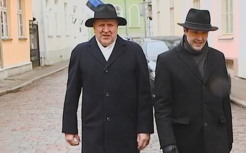 Лидеры EKRE: Март и Мартин Хельме, справа Хенн Пыллуаас.