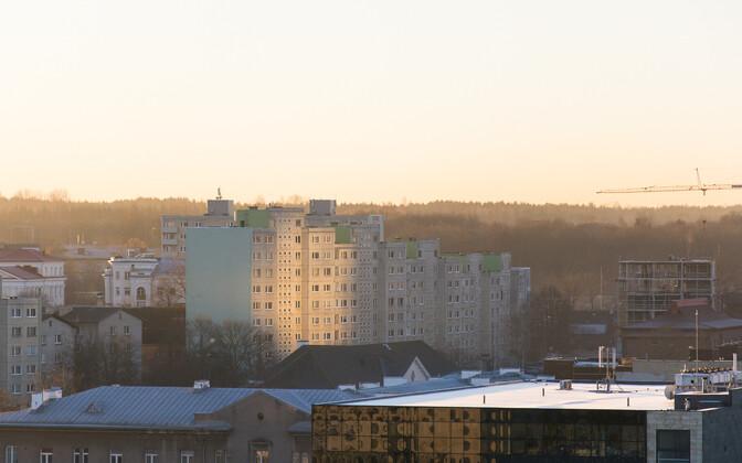Nõukogude ajal ehitatud paneelmajade esimesed korrused on varjendiks täitsa sobivad.