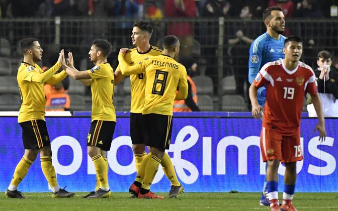 Сборная Бельгии празднует успех.