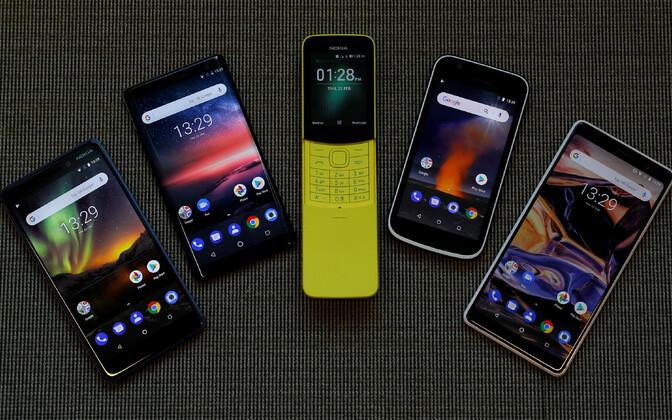 Nokia 7 Plus (kõige parempoolsem).