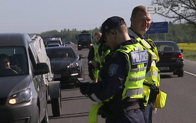 Полиция регулярно проводит проверки водителей на трезвость.