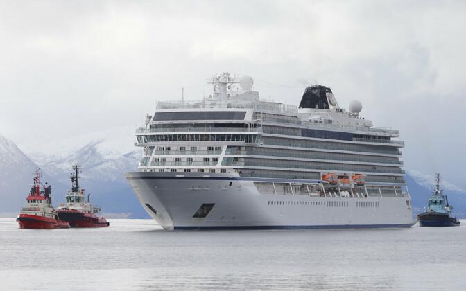 Viking Sky 24. märtsil Molde sadamasse jõudmas.