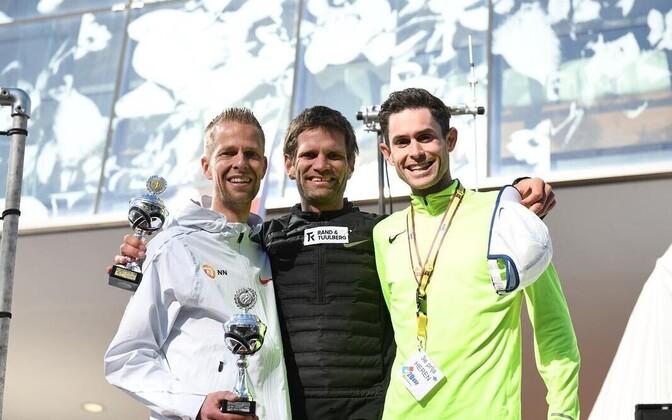 Tiidrek Nurme (keskel) sai hooaja avavõistlusel Hollandis esikoha.