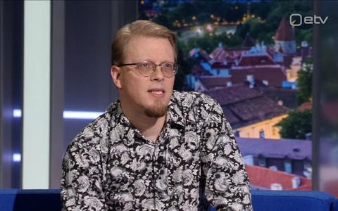 Kirjanik Mika Keränen.