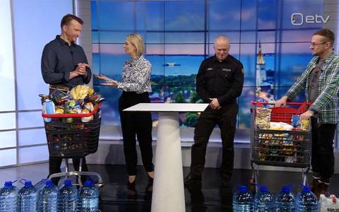 Reporterid Jüri Muttika ja Hannes Hermaküla muretsesid omale nädala toiduvaru kriisiolukorraks.