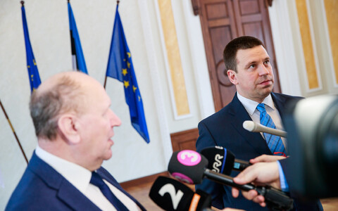 Prime Minister Jüri Ratas' talks with EKRE and Isamaa have seen support for the Centre Party erode rather quickly over the last week.