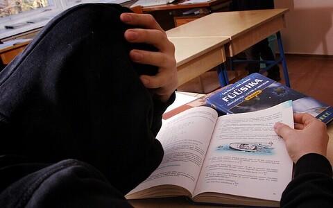 Ühes tavalises klassis on igapäevaselt ainult kolm õpilast piisavalt maganud.