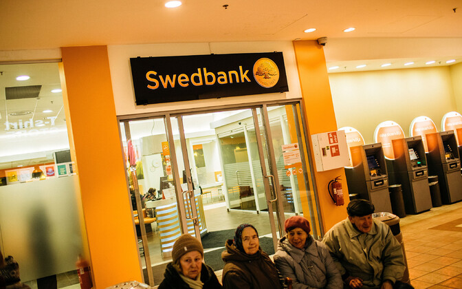 Swedbank branch (picture is illustrative).
