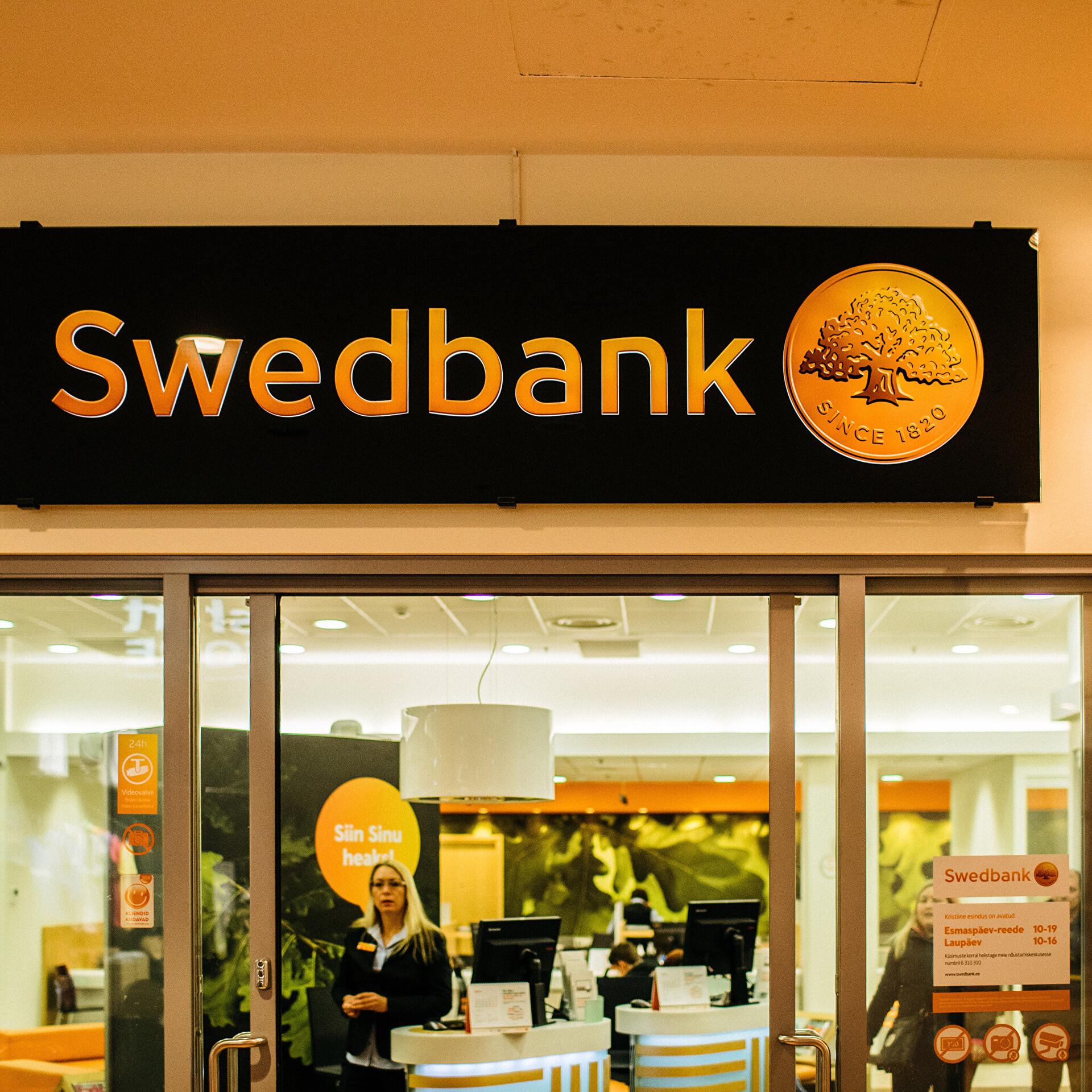 c17d0190ede Rootsi uuriv ajakirjanik: võimalik, et Swedbankil keelatakse  dollariülekanded | Majandus | ERR
