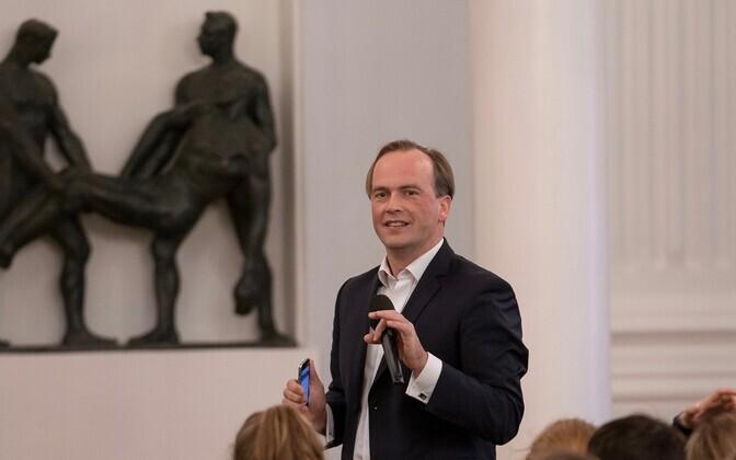 TÜ kosmose- ja kaitsetehnoloogiate professor Mart Noorma.