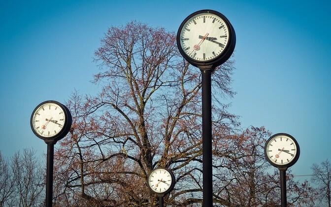 В последнее воскресенье марта время переводят на час вперед.