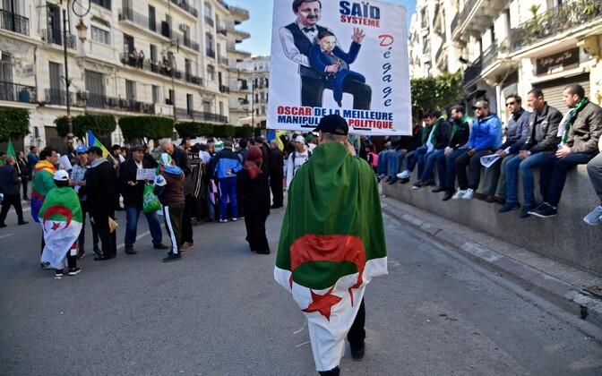 Alžeeria presidendi vastane protest.