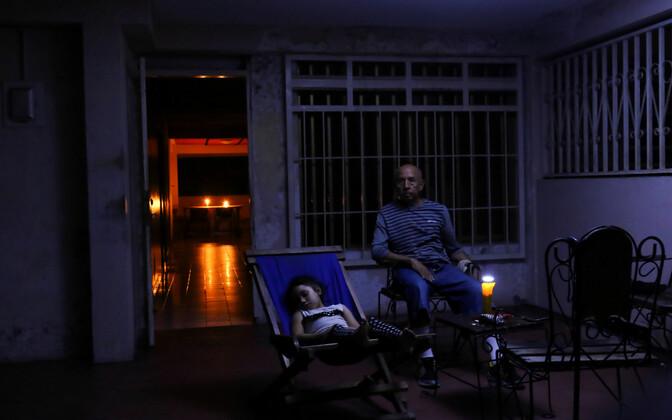 Венесуэла погрузилась во тьму - отключение произошло в 21 регионестраны.