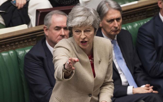 Peaminister Theresa May Briti parlamendi alamkojas.