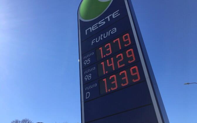 Bensiini ja diislikütuse hind 1. aprillil Neste tanklas.