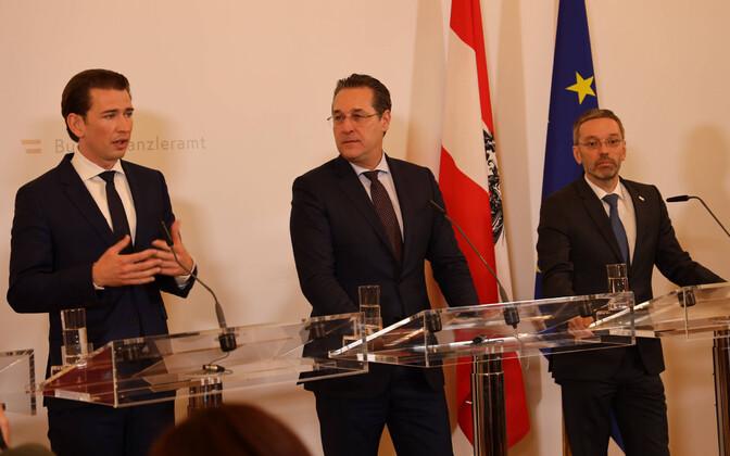 Vasakult: Austria liidukantsler Kurz (ÖVP), asekantsler Strache (FPÖ) ja siseminister Kickl (FPÖ).