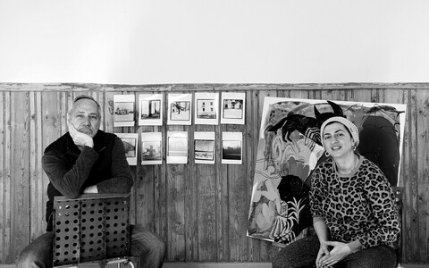 Grusiin Rusudan Khizanishvili (paremal) ja ameeriklane Robert Atwater.