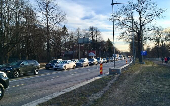 Ummik teisipäeval Narva maanteel Russalka ristmiku lähedal.
