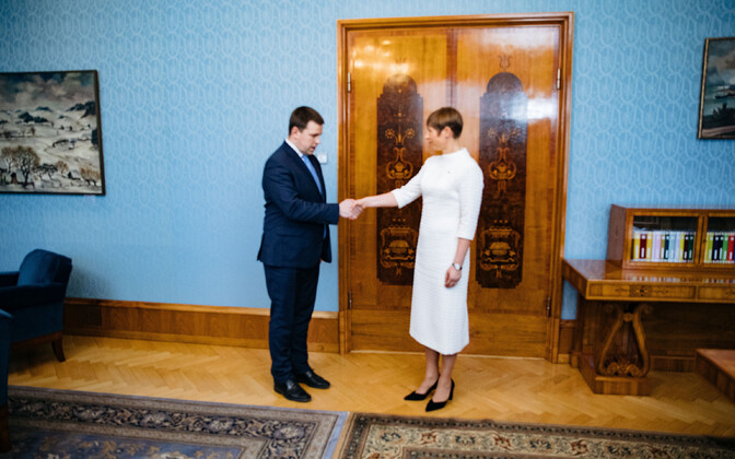 As head of state, President Kersti Kaljulaid, here pictured with Prime Minister Jüri Ratas (Centre) formally invites proposed governments to take office.