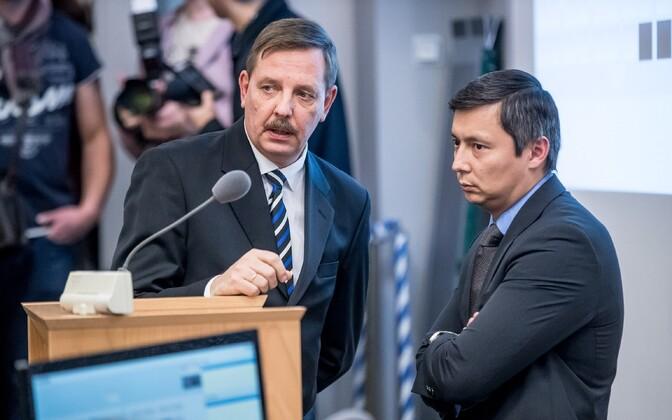 Михаил Кылварт (справа) заменит ушедшего в Рийгикогу Таави Ааса на посту мэра Таллинна.