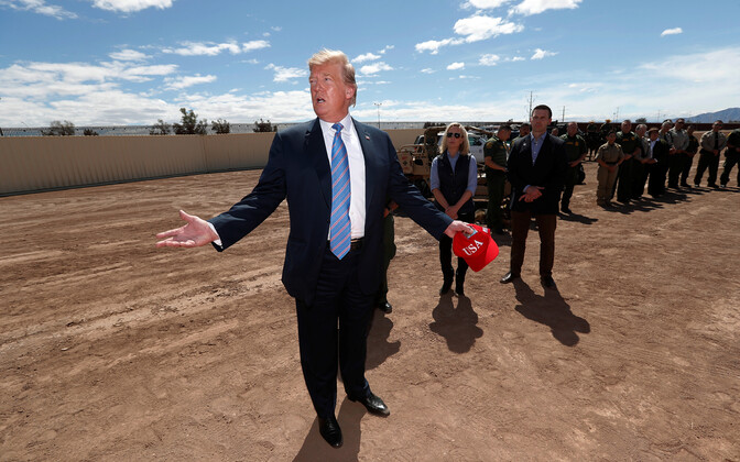 Donald Trump 5. aprillil USA-Mehhiko piiril Californias Calexicos.