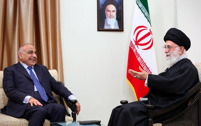 Khamenei (vasakul) kohtumas Iraagi peaministri Adel Abdel Mahdiga