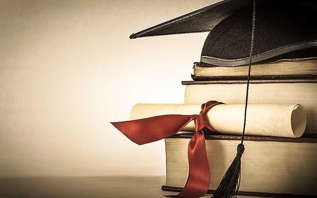 Oma roll on nii automatiseerimisel kui ka kõrghariduse omandamisega kaasnev võlakoorem.