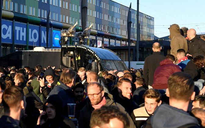 Politsei veekahur Amsterdam Arena lähistel