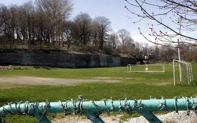 Staadion Skoone bastioni juures.