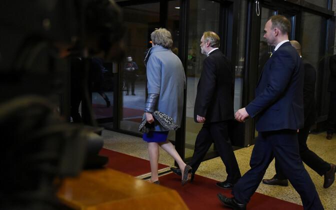 Briti peaminister Theresa May Brüsselis Euroopa Ülemkogult lahkumas.