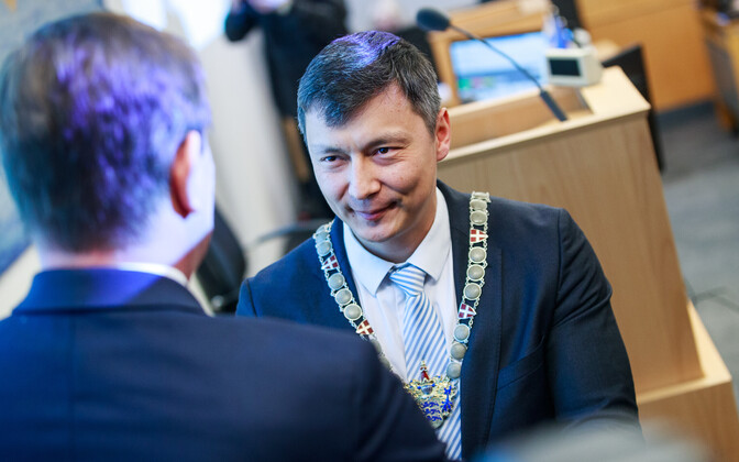 Mihhail Kõlvart (Centre) elected Tallinn Mayor.