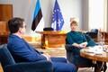 Kaljulaid kohtus riigikogu fraktsioonide esindajatega.