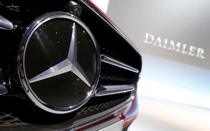 Daimler ja Mercedese logo.