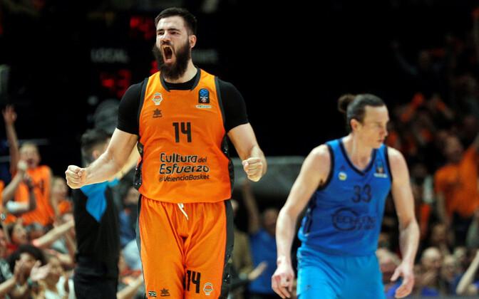 Bojan Dubljevic rõõmustamas Valencia võidu üle
