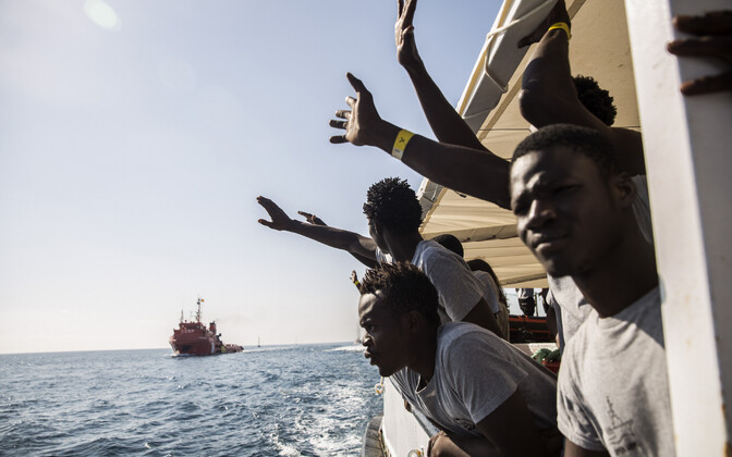 Liibüast lahkunud põgenikud Hispaania päästelaeval.