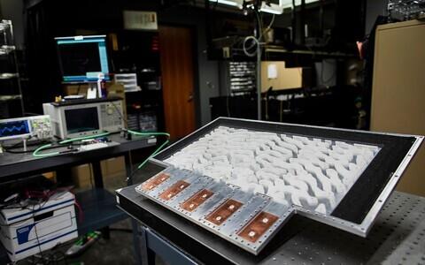Analoogarvuti mõõtmed olid 30 x 60 sentimeetrit.