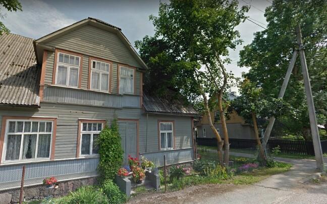 Дом в Лехтсе, который сгорел 17 апреля, и где погибла женщина.