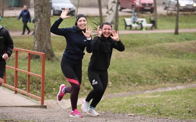 Tervisejooksjad Kadrioru pargis
