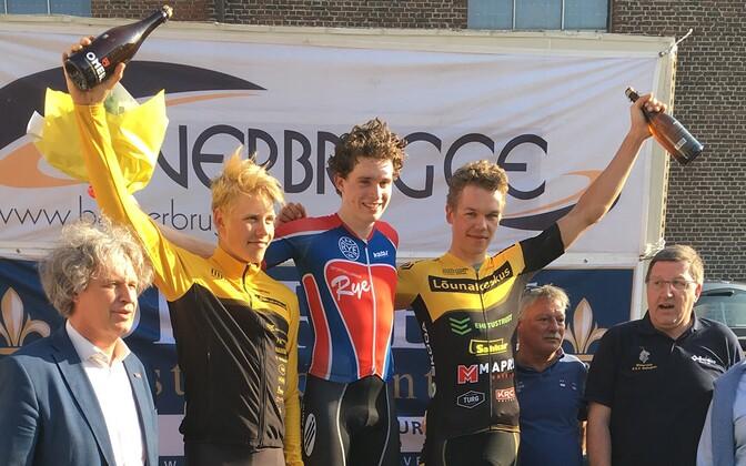 Markus Pajur (vasakul kollases) ja Norman Vahtra (paremal kollases)