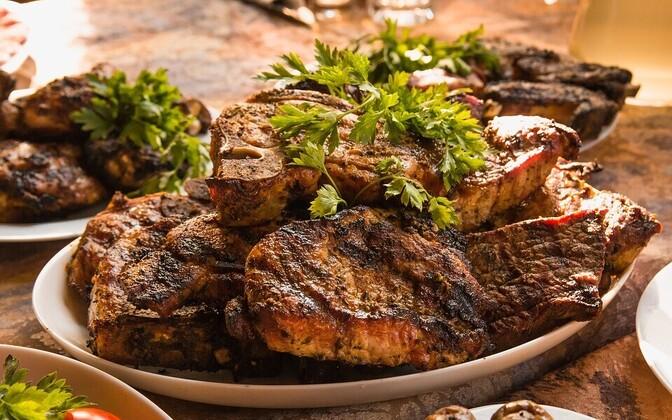 Типичная пищевая модель успешного мужчины довольно устаревшая – он предпочитает самое лучшее мясо и не любит овощи.