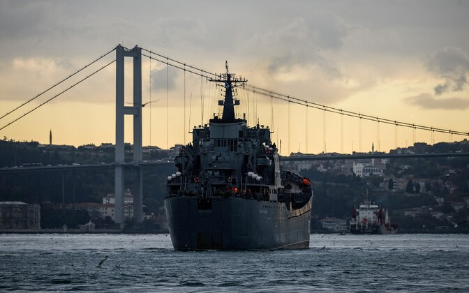 Vene sõjalaev Nikolay Flichenkov 152 teel Tartusi Bosporuse väina läbimas.