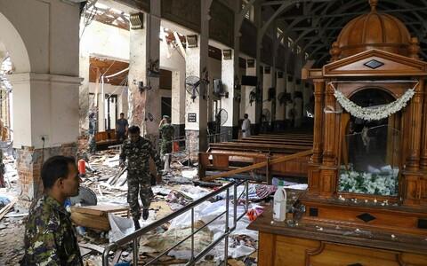Взрывы в день празднования Пасхи прогремели в трех церквях и трех отелях крупнейшего города Шри-Ланки.