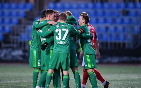 FCI Levadia mängijad tähistamas