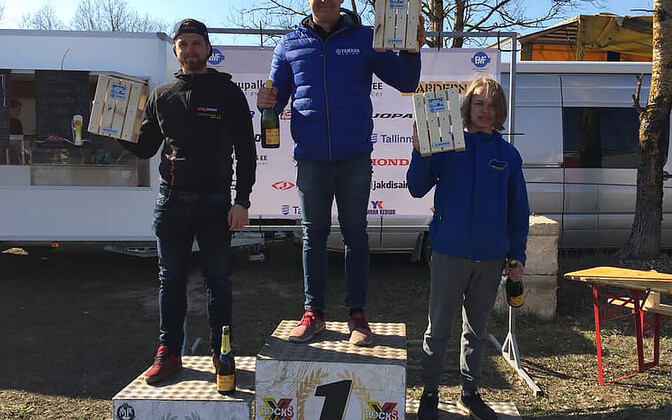 Tallinn GP üldarvestuse kolm kiiremat Priit Biene (keskel), Elary Talu ja Samuli Puhakainen