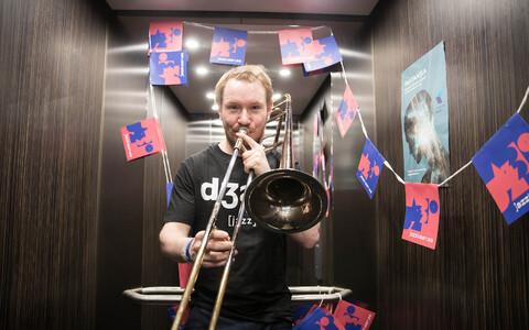 Jazzkaare muusikud Raadiomaja liftides